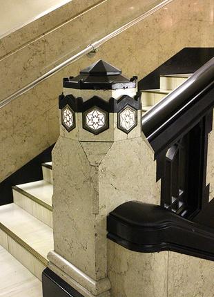写真:階段装飾